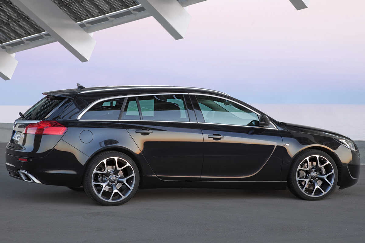 opel insignia opc sports tourer neuer power kombi aus. Black Bedroom Furniture Sets. Home Design Ideas