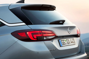 Opel Astra Sports Tourer 2015 (5)