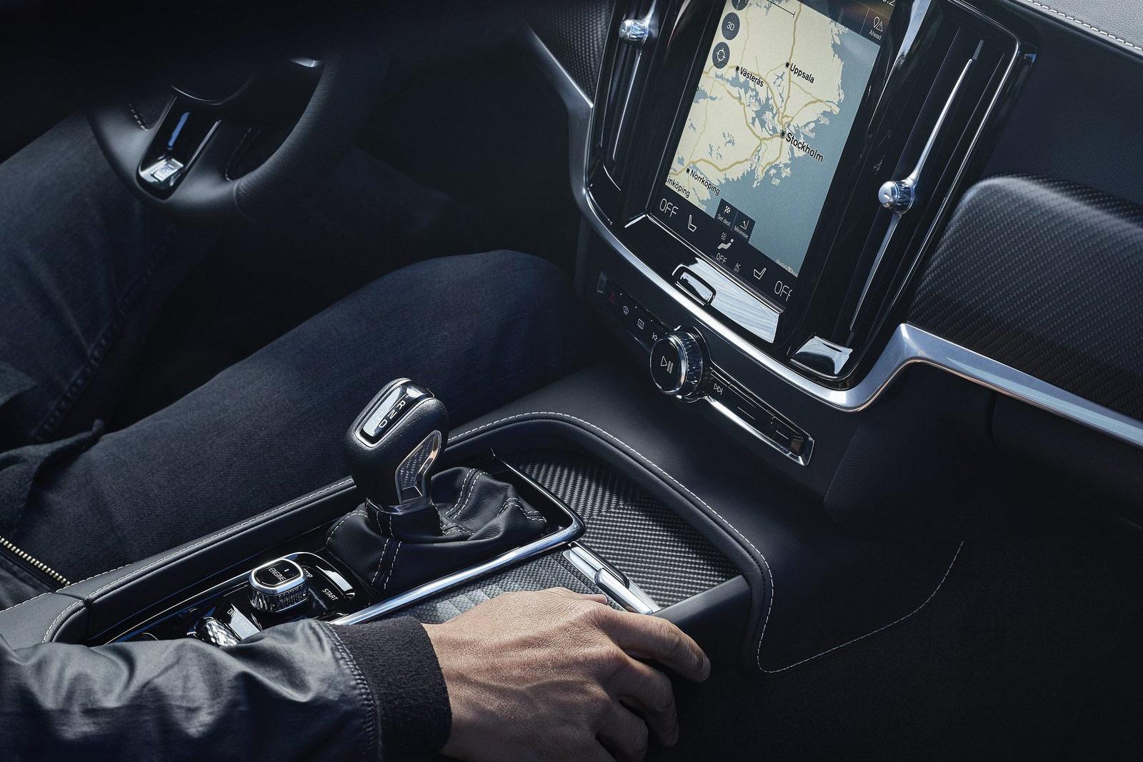 Volvo-V90_R-Design-(16)