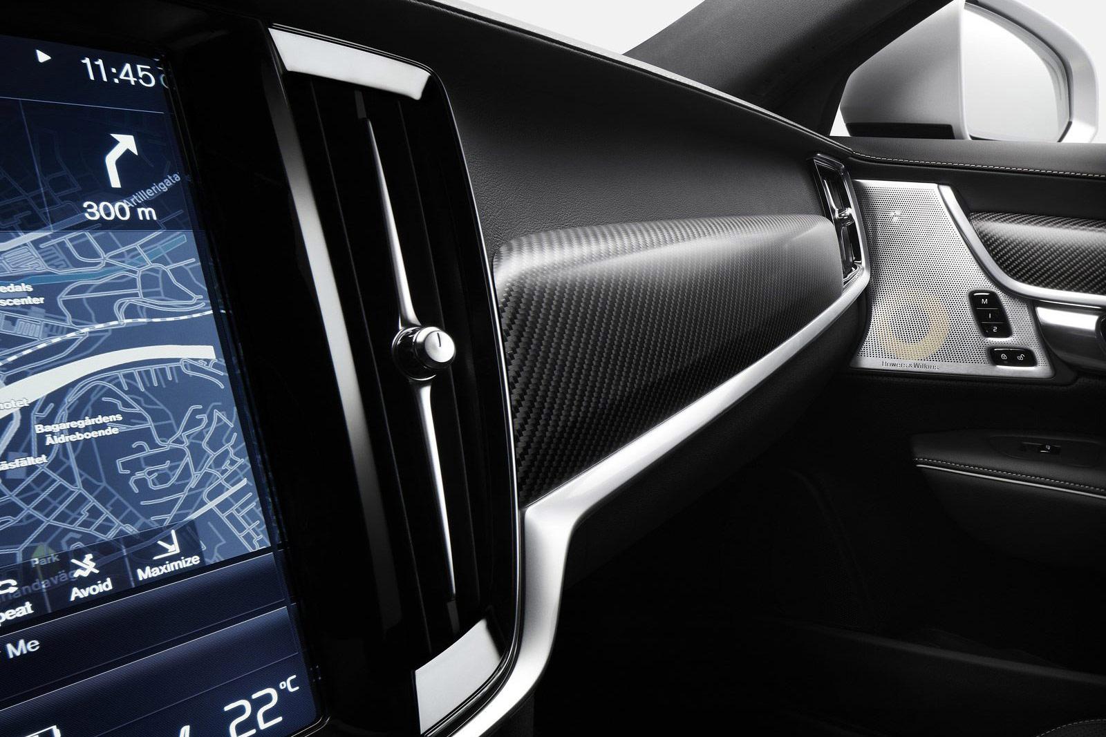 Volvo-V90_R-Design-(17)